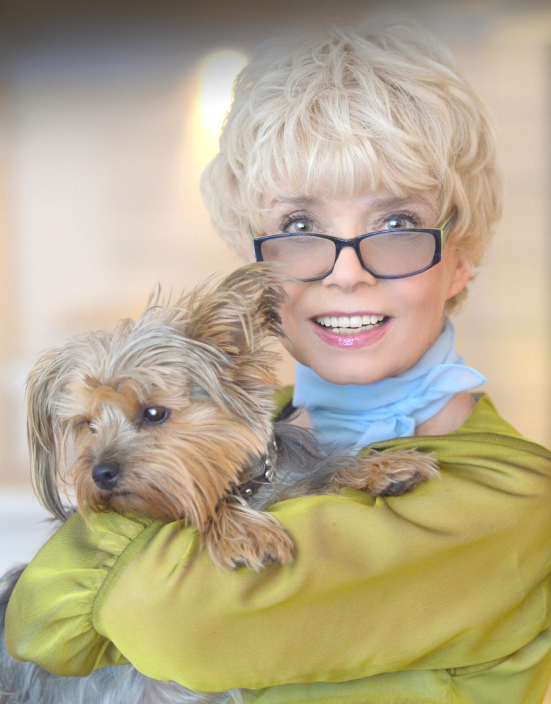 Ingrid Steeger im Hundesalon Dog's Beauty in München