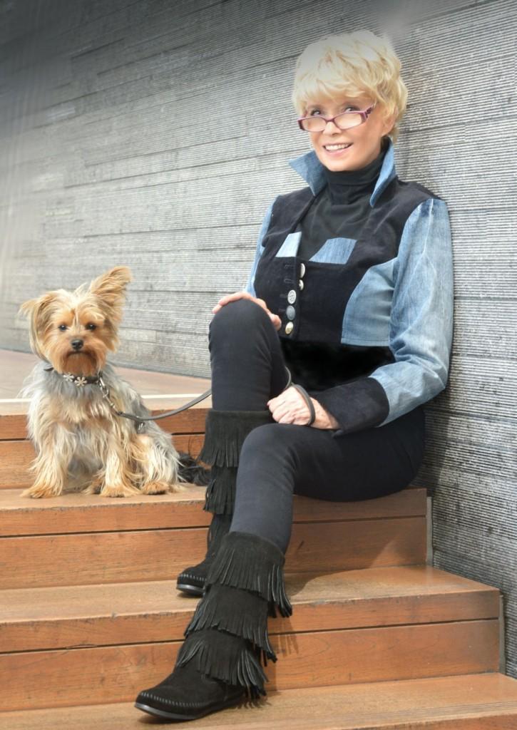 Ingrid Steeger im Hundesalon Dog's Beauty in München